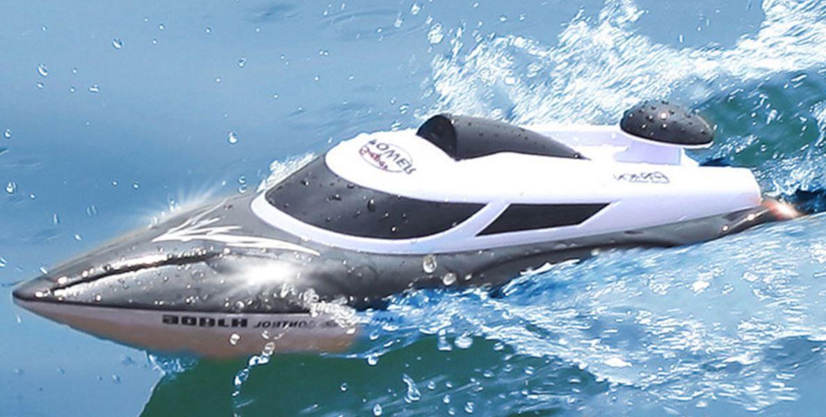 rc-závodní-loď