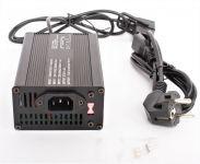 Nabíječka 67.2V / 4Ah podlahové Li-Ion baterie pro elektrokoloběžky SUPER CHOPPER ECO HIGHWAY 2000W